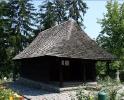 Manastiri din Judetul Valcea - Manastirea dintr-un lemn